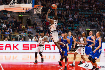 Virtus Bologna vs Neptunas Klaipeda - CHAMPIONS LEAGUE - BASKET