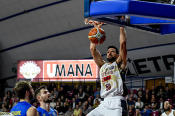 08/01/2019 - Schiacciata di Mitchell Watt - REYER VENEZIA VS BK OPAVA - CHAMPIONS LEAGUE - BASKET