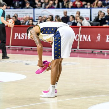22/01/2019 - DERON WASHINGTON perde la scarpa - UMANA REYER VENEZIA VS TELEKOM BASKETS BONN - CHAMPIONS LEAGUE - BASKET