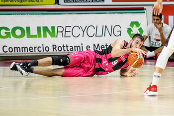 22/01/2019 - Caduta di Stefan Bircevic - UMANA REYER VENEZIA VS TELEKOM BASKETS BONN - CHAMPIONS LEAGUE - BASKET