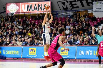 22/01/2019 - Tiro di Michael Bramos - UMANA REYER VENEZIA VS TELEKOM BASKETS BONN - CHAMPIONS LEAGUE - BASKET