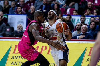22/01/2019 - Fallo su DERON WASHINGTON - UMANA REYER VENEZIA VS TELEKOM BASKETS BONN - CHAMPIONS LEAGUE - BASKET