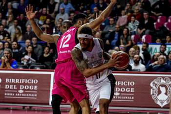 22/01/2019 - DERON WASHINGTON in entrata - UMANA REYER VENEZIA VS TELEKOM BASKETS BONN - CHAMPIONS LEAGUE - BASKET