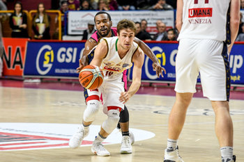 22/01/2019 - Andrea De Nicolao in entrata - UMANA REYER VENEZIA VS TELEKOM BASKETS BONN - CHAMPIONS LEAGUE - BASKET