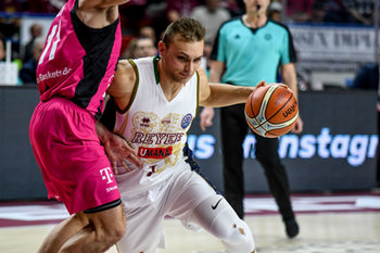 22/01/2019 - Entrata di Andrea De Nicolao su Anthony DiLeo - UMANA REYER VENEZIA VS TELEKOM BASKETS BONN - CHAMPIONS LEAGUE - BASKET