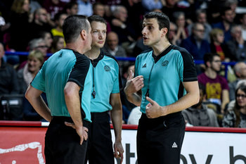 22/01/2019 - La terna arbitrale - UMANA REYER VENEZIA VS TELEKOM BASKETS BONN - CHAMPIONS LEAGUE - BASKET