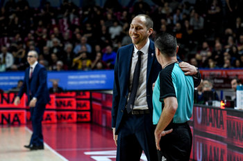 22/01/2019 - Chris O´Shea con l´arbitro - UMANA REYER VENEZIA VS TELEKOM BASKETS BONN - CHAMPIONS LEAGUE - BASKET
