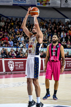 22/01/2019 - Mitchell Watt al tiro libero - UMANA REYER VENEZIA VS TELEKOM BASKETS BONN - CHAMPIONS LEAGUE - BASKET