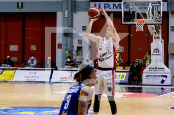 19/01/2021 - Michael Roll (A|X Armani Exchange Milano) at throw - VANOLI CREMONA VS A|X ARMANI EXCHANGE MILANO - SERIE A - BASKET