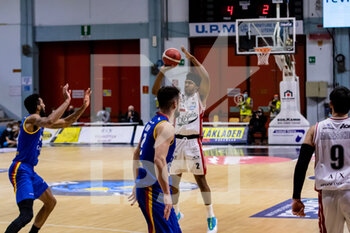 19/01/2021 - Zach Leday (A|X Armani Exchange Milano) at three point throw - VANOLI CREMONA VS A|X ARMANI EXCHANGE MILANO - SERIE A - BASKET