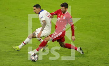 07/04/2021 - Angel Di Maria of Paris Saint-Germain and Lucas Hernandez of Bayern Munich during the UEFA Champions League, quarter final, 1st leg football match between Bayern Munich and Paris Saint-Germain on April 7, 2021 at Allianz Arena in Munich, Germany - Photo Marcel Engelbrecht / firo Sportphoto / DPPI - BAYERN MUNICH VS PARIS SAINT-GERMAIN - UEFA CHAMPIONS LEAGUE - CALCIO