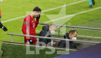 07/04/2021 - Leon Goretzka of Bayern Munich injured during the UEFA Champions League, quarter final, 1st leg football match between Bayern Munich and Paris Saint-Germain on April 7, 2021 at Allianz Arena in Munich, Germany - Photo Marcel Engelbrecht / firo Sportphoto / DPPI - BAYERN MUNICH VS PARIS SAINT-GERMAIN - UEFA CHAMPIONS LEAGUE - CALCIO