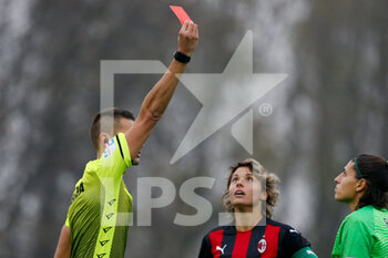 15/11/2020 - The referee shows a red card to Rachele Baldi (AS Roma) - AC MILAN VS AS ROMA - SERIE A FEMMINILE - CALCIO