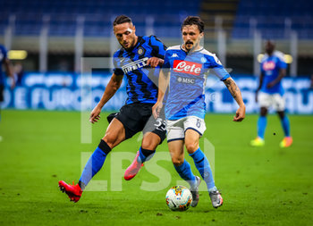 28/07/2020 - Mario Rui of SSC Napoli fights for the ball against Danilo D'Ambrosio of FC Internazionale during the Serie A 2019/20 match between FC Internazionale vs SSC Napoli at the San Siro Stadium, Milan, Italy on July 28, 2020 - Photo Fabrizio Carabelli - INTER VS NAPOLI - SERIE A - CALCIO