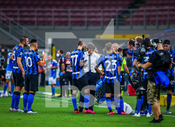 28/07/2020 - FC Internazionale team cooling break during the Serie A 2019/20 match between FC Internazionale vs SSC Napoli at the San Siro Stadium, Milan, Italy on July 28, 2020 - Photo Fabrizio Carabelli - INTER VS NAPOLI - SERIE A - CALCIO