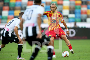 29/07/2020 - Udinese's Mato Jajalo (L) and Lecce's Antonin Barak in action during the Italian Serie A soccer match Udinese Calcio vs US Lecce at the Friuli - Dacia Arena stadium in Udine, Italy, 29 July 2020. ANSA/GABRIELE MENIS - UDINESE VS LECCE - SERIE A - CALCIO