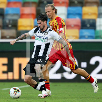 29/07/2020 - Udinese's Rodrigo De Paul (L) and Lecce's Antonin Barak in action during the Italian Serie A soccer match Udinese Calcio vs US Lecce at the Friuli - Dacia Arena stadium in Udine, Italy, 29 July 2020. ANSA/GABRIELE MENIS - UDINESE VS LECCE - SERIE A - CALCIO