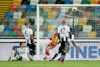 29/07/2020 - Lecce's Gianluca Lapadula scores the goal during the Italian Serie A soccer match Udinese Calcio vs US Lecce at the Friuli - Dacia Arena stadium in Udine, Italy, 29 July 2020. ANSA/GABRIELE MENIS - UDINESE VS LECCE - SERIE A - CALCIO