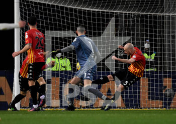 21/02/2021 - saving on the port ionea aside Fedderico Barba (Benevento Calcio ) - BENEVENTO CALCIO VS AS ROMA - SERIE A - CALCIO