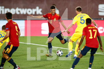 06/09/2020 - Mikel Merino of Spain and Serhiy Sydorchuk of Ukraine in action during the UEFA Nations League football match between Spain and Ukraine on september 06, 2020 at Alfredo Di Stefano stadium in Valdebebas near Madrid, Spain - Photo Oscar J Barroso / Spain DPPI / DPPI - SPAGNA VS UCRAINA - UEFA NATIONS LEAGUE - CALCIO