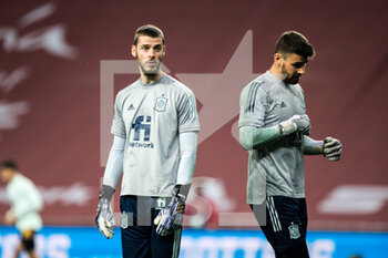 17/11/2020 - David de Gea of Spain and Unai Simon of Spain warm up before the UEFA Nations league football match between Spain and Germany on November 17, 2020 at the la Cartuja Stadium in Sevilla, Spain - Photo Joaquin Corchero / Spain DPPI / DPPI - SPAIN VS GERMANY - UEFA NATIONS LEAGUE - CALCIO