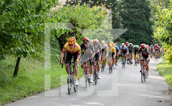 09/10/2020 - Group climbing the Arcano's Castle ascent leaded by Uno XPro Cycling Team - UNDER 23 ELITE - TAPPA IN LINEA – ROAD RACE VARIANO – SAN MARCO DI MERETO DI TOMBA - STRADA - CICLISMO