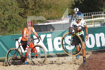 07/11/2020 - Ceylin del Carmen Alvarado and Annemarie Worst (NED) during the 2020 UEC Cyclo-Cross European Championships, Women Elite, on november 7, 2020 in Rosmalen, The Netherlands - Photo Orange Pictures / DPPI - 2020 UEC CYCLO-CROSS EUROPEAN CHAMPIONSHIPS, MEN UNDER 23 - CICLOCROSS - CICLISMO