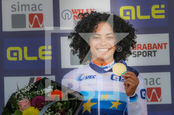 07/11/2020 - Podium Ceylin del Carmen Alvarado (NED) Winner during the 2020 UEC Cyclo-Cross European Championships, Women Elite, on november 7, 2020 in Rosmalen, The Netherlands - Photo Orange Pictures / DPPI - 2020 UEC CYCLO-CROSS EUROPEAN CHAMPIONSHIPS, MEN UNDER 23 - CICLOCROSS - CICLISMO