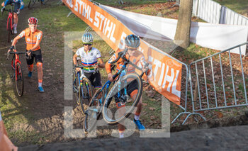 07/11/2020 - Lucinda Brand (NED), Ceylin del Carmen Alvarado (NED) during the 2020 UEC Cyclo-Cross European Championships, Women Elite, on november 7, 2020 in Rosmalen, The Netherlands - Photo Orange Pictures / DPPI - 2020 UEC CYCLO-CROSS EUROPEAN CHAMPIONSHIPS, MEN UNDER 23 - CICLOCROSS - CICLISMO