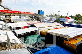 16/09/2020 - Ambiance, paddock during the scrutineering of the 2020 24 Hours of Le Mans, 7th round of the 2019...20 FIA World Endurance Championship on the Circuit des 24 Heures du Mans, from September 16 to 20, 2020 in Le Mans, France - Photo Fr.d.ric Le Floc...h / DPPI - 24 HOURS OF LE MANS 2020 - ENDURANCE - MOTORI