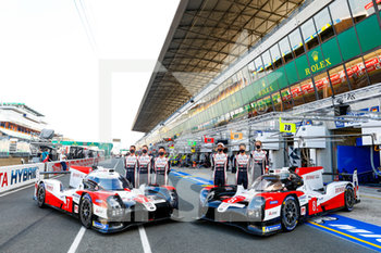 16/09/2020 - 07 Conway Mike (gbr), Kobayashi Kamui (jpn), Lopez Jos. Maria (arg), Toyota Gazoo Racing, Toyota TS050 Hybrid, 08 Buemi S.bastien (swi), Hartley Brendon (nzl), Nakajima Kazuki (jpn), Toyota Gazoo Racing, Toyota TS050 Hybrid, portrait during the scrutineering of the 2020 24 Hours of Le Mans, 7th round of the 2019...20 FIA World Endurance Championship on the Circuit des 24 Heures du Mans, from September 16 to 20, 2020 in Le Mans, France - Photo Fr.d.ric Le Floc...h / DPPI - 24 HOURS OF LE MANS 2020 - ENDURANCE - MOTORI