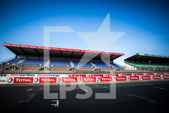 16/09/2020 - Ambiance, empty grandstands during the scrutineering of the 2020 24 Hours of Le Mans, 7th round of the 2019...20 FIA World Endurance Championship on the Circuit des 24 Heures du Mans, from September 16 to 20, 2020 in Le Mans, France - Photo Thomas Fenetre / DPPI - 24 HOURS OF LE MANS 2020 - ENDURANCE - MOTORI