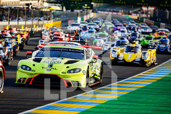 16/09/2020 - 97 Lynn Alex (gbr), Martin Maxime (bel), Tincknell Harry (gbr), Aston Martin Racing, Aston Martin Vantage AMR, family picture during the scrutineering of the 2020 24 Hours of Le Mans, 7th round of the 2019-20 FIA World Endurance Championship on the Circuit des 24 Heures du Mans, from September 16 to 20, 2020 in Le Mans, France - Photo Xavi Bonilla / DPPI - 24 HOURS OF LE MANS 2020 - ENDURANCE - MOTORI