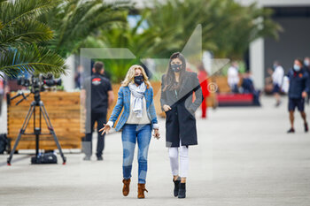 14/11/2020 - LATIFI Marilena, mother of Nicholas, and Dziwiszek Sandra, girlfriend of Nicholas during the Formula 1 DHL Turkish Grand Prix 2020, from November 13 to 15, 2020 on the Intercity Istanbul Park, in Tuzla, near Istanbul, Turkey - Photo Florent Gooden / DPPI - FORMULA 1 DHL TURKISH GRAND PRIX 2020 - SATURDAY - FORMULA 1 - MOTORI