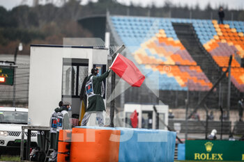 14/11/2020 - Red flag, drapeau during the Formula 1 DHL Turkish Grand Prix 2020, from November 13 to 15, 2020 on the Intercity Istanbul Park, in Tuzla, near Istanbul, Turkey - Photo Antonin Vincent / DPPI - FORMULA 1 DHL TURKISH GRAND PRIX 2020 - SATURDAY - FORMULA 1 - MOTORI