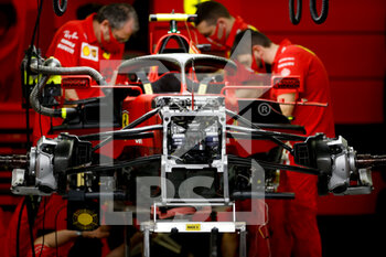 27/03/2021 - mechanic, mecanicien Scuderia Ferrari, ambiance during Formula 1 Gulf Air Bahrain Grand Prix 2021 from March 26 to 28, 2021 on the Bahrain International Circuit, in Sakhir, Bahrain - Photo DPPI - FORMULA 1 GULF AIR BAHRAIN GRAND PRIX 2021 - FORMULA 1 - MOTORI