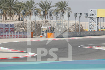27/03/2021 - Track illustration atmosphere, during Formula 1 Gulf Air Bahrain Grand Prix 2021 from March 26 to 28, 2021 on the Bahrain International Circuit, in Sakhir, Bahrain - Photo Frédéric Le Floc?h / DPPI - FORMULA 1 GULF AIR BAHRAIN GRAND PRIX 2021 - FORMULA 1 - MOTORI
