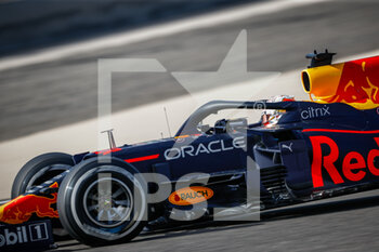 27/03/2021 - VERSTAPPEN Max (ned), Red Bull Racing Honda RB16B, action during Formula 1 Gulf Air Bahrain Grand Prix 2021 from March 26 to 28, 2021 on the Bahrain International Circuit, in Sakhir, Bahrain - Photo Frédéric Le Floc?h / DPPI - FORMULA 1 GULF AIR BAHRAIN GRAND PRIX 2021 - FORMULA 1 - MOTORI