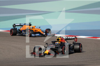 27/03/2021 - 11 PEREZ Sergio (mex), Red Bull Racing Honda RB16B, action during Formula 1 Gulf Air Bahrain Grand Prix 2021 from March 26 to 28, 2021 on the Bahrain International Circuit, in Sakhir, Bahrain - Photo Frédéric Le Floc?h / DPPI - FORMULA 1 GULF AIR BAHRAIN GRAND PRIX 2021 - FORMULA 1 - MOTORI