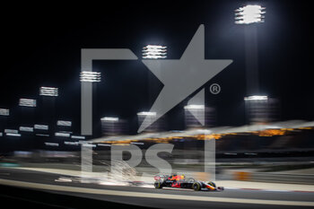 27/03/2021 - PEREZ Sergio (mex), Red Bull Racing Honda RB16B, action during Formula 1 Gulf Air Bahrain Grand Prix 2021 from March 26 to 28, 2021 on the Bahrain International Circuit, in Sakhir, Bahrain - Photo Frédéric Le Floc?h / DPPI - FORMULA 1 GULF AIR BAHRAIN GRAND PRIX 2021 - FORMULA 1 - MOTORI