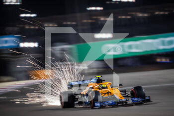 27/03/2021 - 04 NORRIS Lando (gbr), McLaren MCL35M, action during Formula 1 Gulf Air Bahrain Grand Prix 2021 from March 26 to 28, 2021 on the Bahrain International Circuit, in Sakhir, Bahrain - Photo Frédéric Le Floc?h / DPPI - FORMULA 1 GULF AIR BAHRAIN GRAND PRIX 2021 - FORMULA 1 - MOTORI