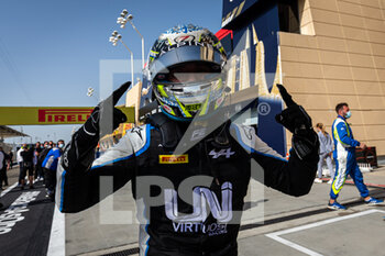 28/03/2021 - Zhou Guanyu (chn), UNI-Virtuosi Racing, Dallara F2, portrait during the 1st round of the 2021 FIA Formula 2 Championship from March 26 to 28, 2021 on the Bahrain International Circuit, in Sakhir, Bahrain - Photo Sebastiaan Rozendaal / Dutch Photo Agency / DPPI - 1ST ROUND OF THE 2021 FIA FORMULA 2 CHAMPIONSHIP - FORMULA 2 - MOTORI