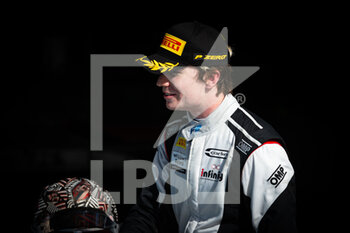 28/03/2021 - Ticktum Dan (gbr), Carlin, Dallara F2, portrait during the 1st round of the 2021 FIA Formula 2 Championship from March 26 to 28, 2021 on the Bahrain International Circuit, in Sakhir, Bahrain - Photo Sebastiaan Rozendaal / Dutch Photo Agency / DPPI - 1ST ROUND OF THE 2021 FIA FORMULA 2 CHAMPIONSHIP - FORMULA 2 - MOTORI