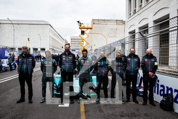 10/04/2021 - BIRD Sam (gbr), Jaguar Racing, Jaguar I-Type 5, portrait EVANS Mitch (nzl), Jaguar Racing, Jaguar I-Type 5, portrait and the Team grille de depart starting grid during the 2021 Rome ePrix, 3rd round of the 2020-21 Formula E World Championship, on the Circuito Cittadino dell'EUR from April 9 to 11, in Rome, Italy - Photo Germain Hazard / DPPI - 2021 ROME EPRIX, 3RD ROUND OF THE 2020-21 FORMULA E WORLD CHAMPIONSHIP - FORMULA E - MOTORI