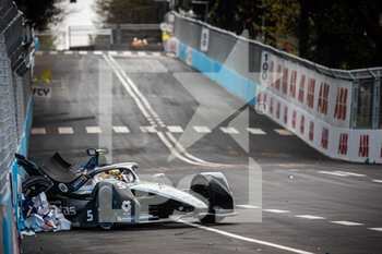 10/04/2021 - accident crash of 05 Vandoorne Stoffel (bel), Mercedes-Benz EQ Formula E Team, Mercedes-Benz EQ Silver Arrow 02, action during the 2021 Rome ePrix, 3rd round of the 2020-21 Formula E World Championship, on the Circuito Cittadino dell'EUR from April 9 to 11, in Rome, Italy - Photo Germain Hazard / DPPI - 2021 ROME EPRIX, 3RD ROUND OF THE 2020-21 FORMULA E WORLD CHAMPIONSHIP - FORMULA E - MOTORI