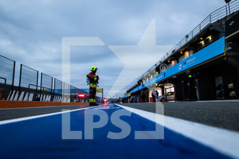 24/04/2021 - stand pit lane during the 2021 Valencia ePrix, 3rd meeting of the 2020-21 Formula E World Championship, on the Circuit Ricardo Tormo from April 23 to 25, in Valencia, Spain - Photo Germain Hazard / DPPI - 2021 VALENCIA EPRIX, 3RD MEETING OF THE 2020-21 FORMULA E WORLD CHAMPIONSHIP - FORMULA E - MOTORI