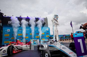 24/04/2021 - DE VRIES Nyck (nld), Mercedes-Benz EQ Formula E Team, Mercedes-Benz EQ Silver Arrow 02, portrait podium during the 2021 Valencia ePrix, 3rd meeting of the 2020-21 Formula E World Championship, on the Circuit Ricardo Tormo from April 23 to 25, in Valencia, Spain - Photo Germain Hazard / DPPI - 2021 VALENCIA EPRIX, 3RD MEETING OF THE 2020-21 FORMULA E WORLD CHAMPIONSHIP - FORMULA E - MOTORI