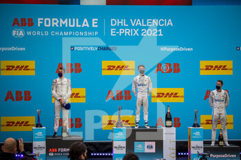 24/04/2021 - DE VRIES Nyck (nld), Mercedes-Benz EQ Formula E Team, Mercedes-Benz EQ Silver Arrow 02, portrait MULLER Nico (ger), Dragon / Penske Autosport, Penske EV-5, portrait VANDOORNE Stoffel (bel), Mercedes-Benz EQ Formula E Team, Mercedes-Benz EQ Silver Arrow 02, portrait podium during the 2021 Valencia ePrix, 3rd meeting of the 2020-21 Formula E World Championship, on the Circuit Ricardo Tormo from April 23 to 25, in Valencia, Spain - Photo Germain Hazard / DPPI - 2021 VALENCIA EPRIX, 3RD MEETING OF THE 2020-21 FORMULA E WORLD CHAMPIONSHIP - FORMULA E - MOTORI