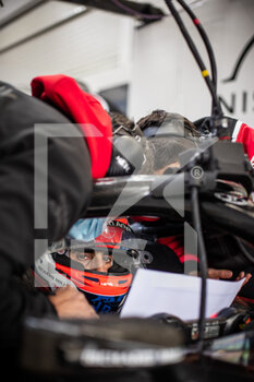 25/04/2021 - BUEMI Sébastien (swi), Nissan e.dams, Nissan IM02, portrait ingenieur engineer during the 2021 Valencia ePrix, 3rd meeting of the 2020-21 Formula E World Championship, on the Circuit Ricardo Tormo from April 23 to 25, in Valencia, Spain - Photo Germain Hazard / DPPI - 2021 VALENCIA EPRIX, 3RD MEETING OF THE 2020-21 FORMULA E WORLD CHAMPIONSHIP - FORMULA E - MOTORI