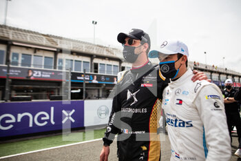 25/04/2021 - VERGNE Jean-Eric (fra), DS Techeetah, DS E-Tense FE20, portrait DE VRIES Nyck (nld), Mercedes-Benz EQ Formula E Team, Mercedes-Benz EQ Silver Arrow 02, portrait grille de depart starting grid during the 2021 Valencia ePrix, 3rd meeting of the 2020-21 Formula E World Championship, on the Circuit Ricardo Tormo from April 23 to 25, in Valencia, Spain - Photo Germain Hazard / DPPI - 2021 VALENCIA EPRIX, 3RD MEETING OF THE 2020-21 FORMULA E WORLD CHAMPIONSHIP - FORMULA E - MOTORI